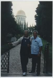 Gillespieről készült felvétel a Baha'i Világközpontban tett látogatása során 1985-ben