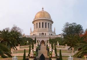 A Báb sírszentélye nemcsak a bahá'í hit, hanem Haifa városának jelképe is lett (Izrael) © Bahá'í Nemzetközi Hírszolgálat news.bahai.org