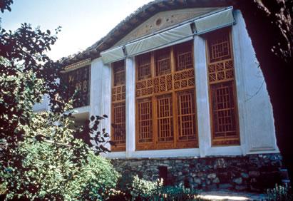 Bahá'u'lláh háza Takurban (Mázindarán, Irán). Ettől a házától is megfosztották és 40 éves bebörtönzésre kényszerült Kijelentése miatt. (c) Bahá'í Nemzetközi Közösség media.bahai.org