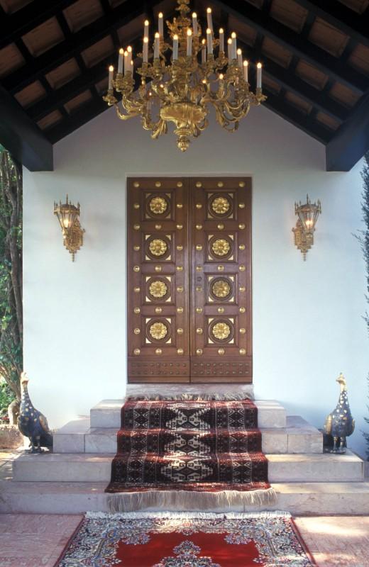 Bahá'u'lláh sírszentélyének bejárata (c) Bahá'í Nemzetközi Közösség media.bahai.org