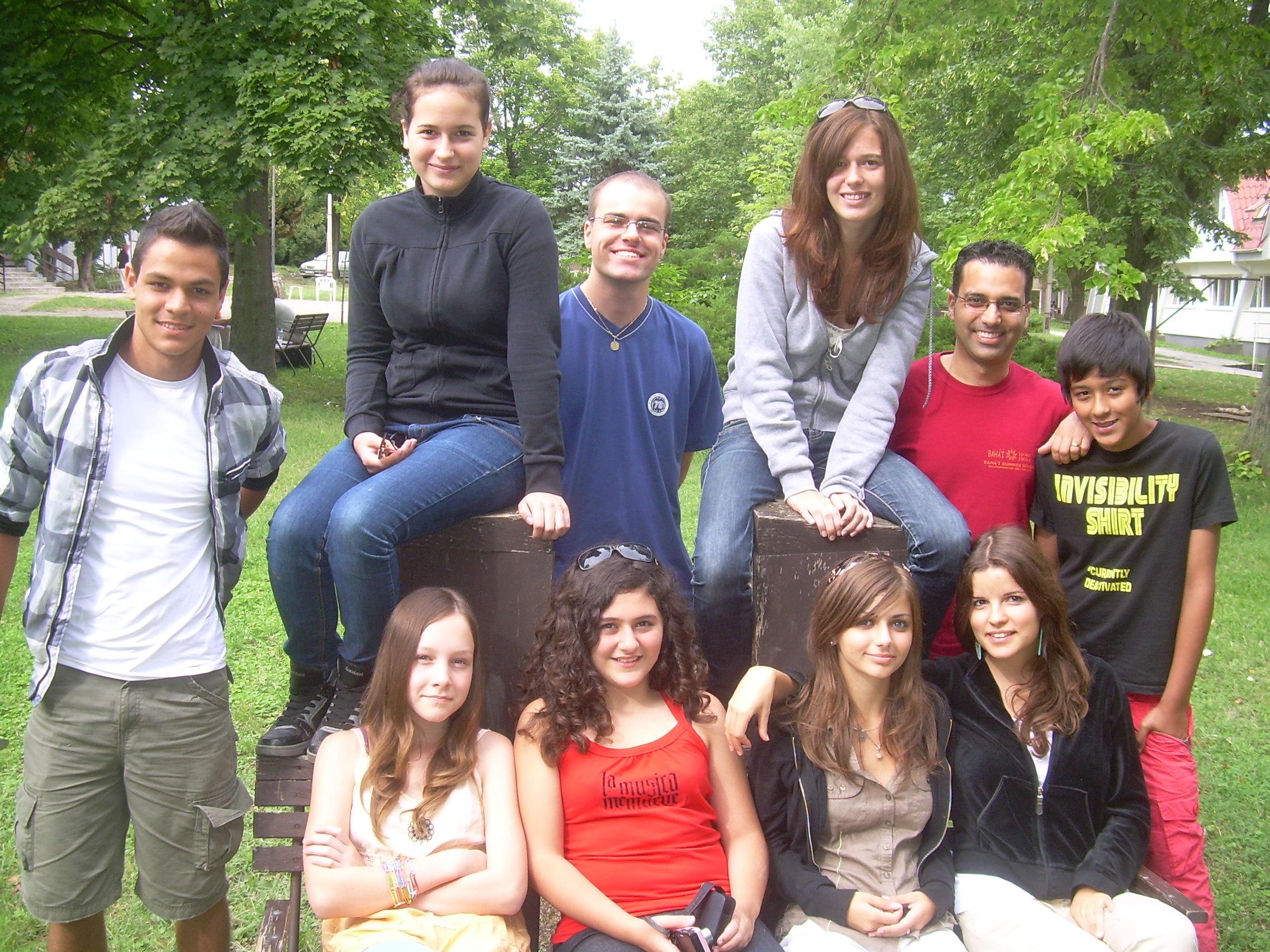 Akik tesznek a békés, új világrendért (Bahá'í ifjúsági találkozó, Balatongyörök, 2010) (c) Magyarországi Bahá'í Közösség www.bahai.hu