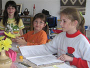 Gyermek program: Erkölcsre való nevelés és a gyermekek lelki képességeinek fejlesztése. (c) Magyarországi Bahá'í Közösség www.bahai.hu