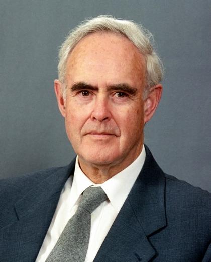 Ian C. Semple, az Igazságosság Egyetemes Házának korábbi tagja © Bahá'í Nemzetközi Hírszolgálat news.bahai.org