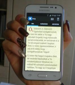 Egy ima az okostelefonra készült imakönyvből
