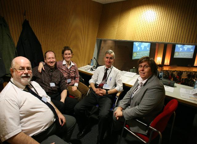 Magyar tolmácsok a frankfurti bahá'í konferencián