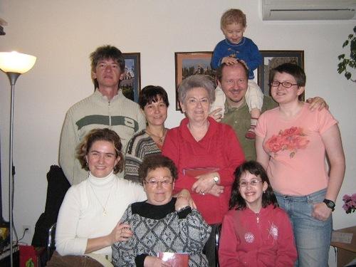 Néhány arc a szegedi bahá'í közösségből © Magyarországi Bahá'í Közösség www.bahai.hu