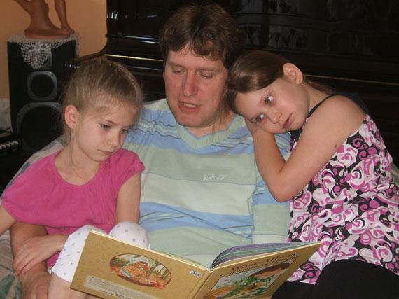 Makay László is szeret gyermekeinek tanulságos történeteket mesélni